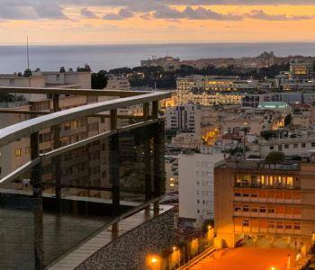 La Rousse - Saint Roman: Magnifico monolocale ristrutturato con terrazzo, parcheggio e cantina