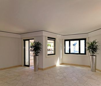 "MONACO, SUPERB 4 ROOMS APARTMENT IN ""CARRE D'OR"""