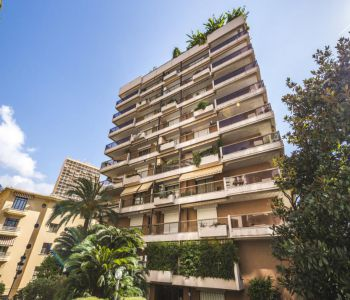 Sole agent - Golden Square ' 3 bedroom apartement completely nen