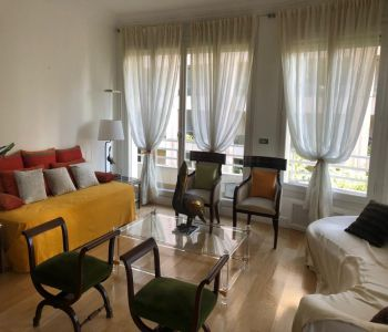 Saint Roman - large 2 bedrooms apartment in a bourgeois building