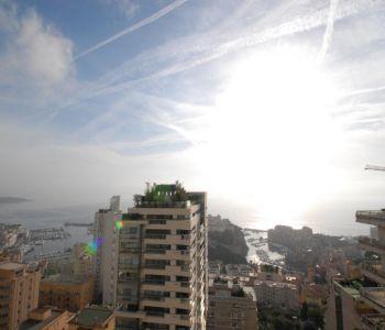 Grand deux pièces vue panoramique mer et ville