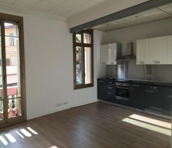 Bourgeois, completely renovated apartment