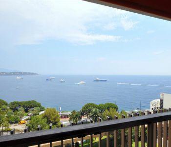 Splendido trilocale, vista panoramica sul mare.