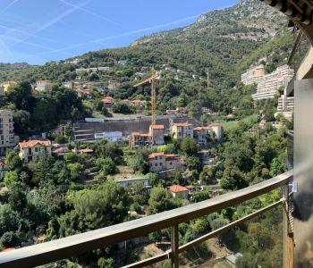 Studio situé au 26ème étage de l'Annonciade - Belle vue montagne et ville