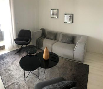 Spacious 2 room apt. with sea view- Mirabeau - Golden sq.