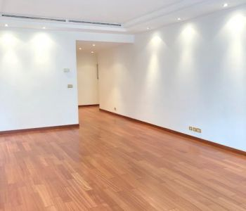 3 room Apt- Golden sq. - Montaigne