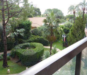 agréable vue jardins, cave et parking