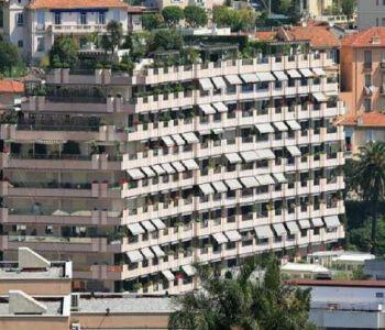 ROC FLEURI - LOCATION 4/5 PIECES