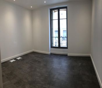 Renovated office / 3 rooms apartment