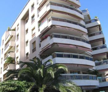 BIG ONE BEDROOM APARTMENT NEAR THE PORT AND CENTER