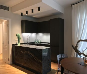 MAGNIFICENT MODERN RENOVATED APARTMENT