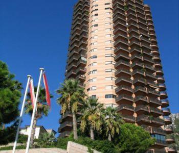 Monaco/ Parc Saint Roman/ Studio rénové à usage mixte