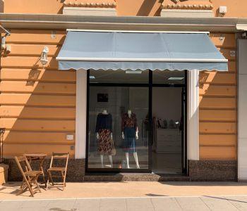 Monte Carlo: locale commerciale centrale con una bella vetrina