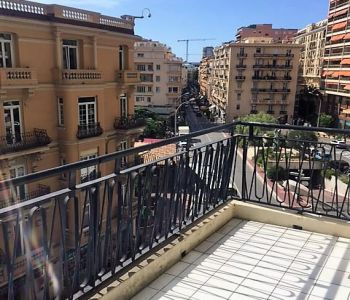 Monaco / Large 2 bedroom apartment located in the heart of the Place des Moulins