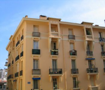 Monaco/ Grand 2-3 pièces rénové à usage mixte