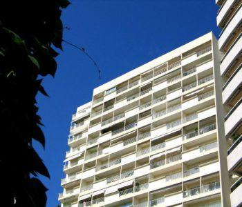 Monaco/ Chambre de bonne avec vue agréable sur jardin