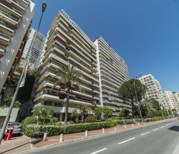 Monaco/ Studio avec balcon à usage mixte