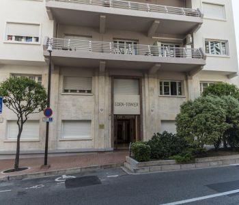 Monaco: Chambre de service avec wc, lavabo et douche privatifs