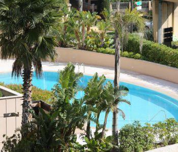 Monaco / Luxueux 2 pièces meublé avec une splendide vue mer