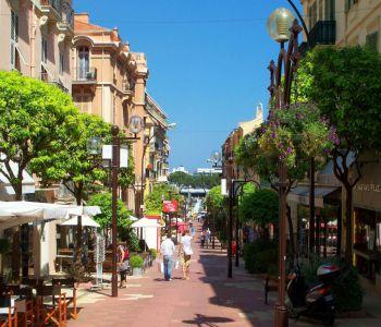 Monaco / Condamine / Local avec vitrine
