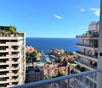 Appartement charmant avec vue mer en étage élevé