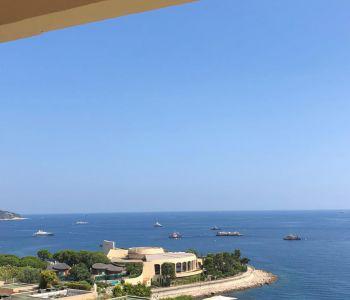 Grand appartement avec vue mer