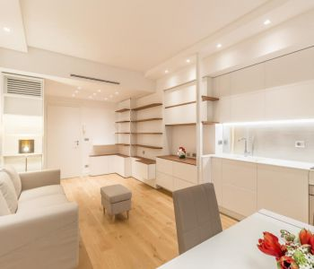 Fully renovated modern apartment