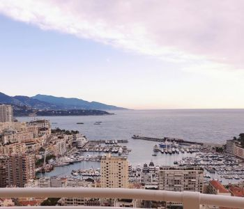 Large 2 bedroom flat with panoramic sea view, Port, Rock