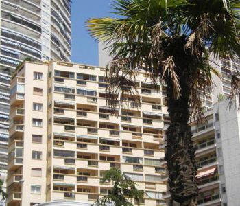 SPACIOUS 2 BEDROOMS NEAR THE BEACH