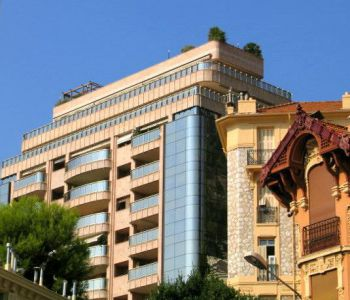 ONE BED ROOM APARTMENT IN RECENT SMALL BUILDING MONTE CARLO