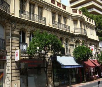 SHOP TO RENT NEAR THE PORT HERCULE