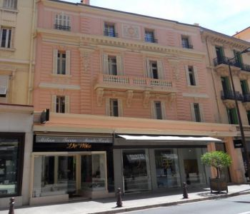 ONE BEDROOM - QUIET LOCATION - BLD DES MOULINS