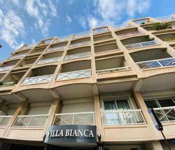 VILLA BIANCA - DOUBLE PARKING