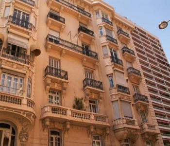 6 ROOMED APARTMENT - TO BE RENOVATED