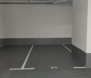 Big Parking space near elevator