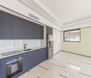 3 roomed apartment - Golden square