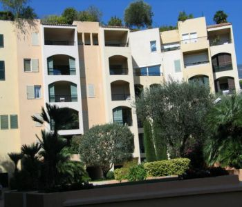 Pleasant apartment on Fontvieille harbour