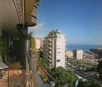 Appartement de 4 pièces avec vue mer et Rocher