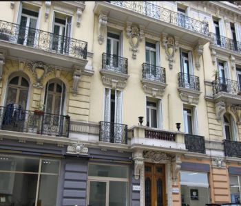 SPACIEUX APPARTEMENT