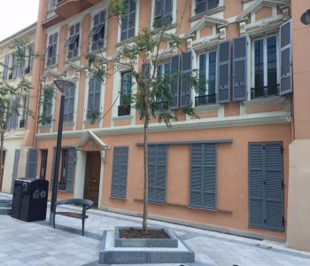OFFICE 3 ROOMS STREET ACCESS WITH SHOWCASE TO RENT