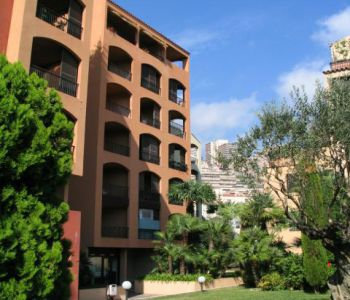BEL APPARTEMENT 3P -  FONTVIEILLE
