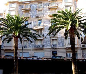 Elegant apartment in bourgeois building