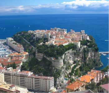 Priviledge  location - at  the heart of Monaco-Ville