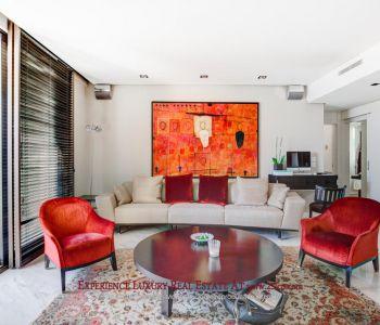 Vast luxury furnished apartment