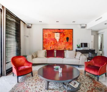 Vast luxury furnished apartment