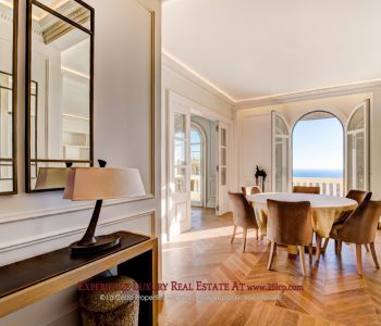 """Bourgeois"" apartment - overlooking Monaco"