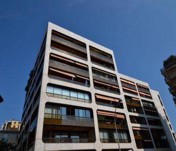 Golden Square - Studio apartment with verandha
