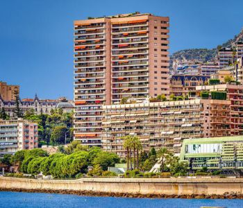 At the heart of the Carré d'Or - luxurious residence