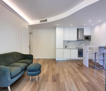 "Refurbished 3-room apartment - ""The Ligures"" building"