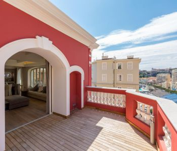 RARE - APPARTMENT-VILLA - SUPERB PORT VIEW